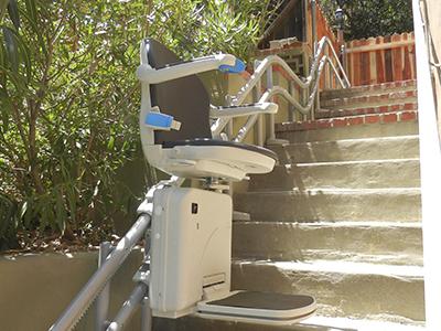 מעלון מדרגות מתעקל חיצוני מיניביטור 2000_3